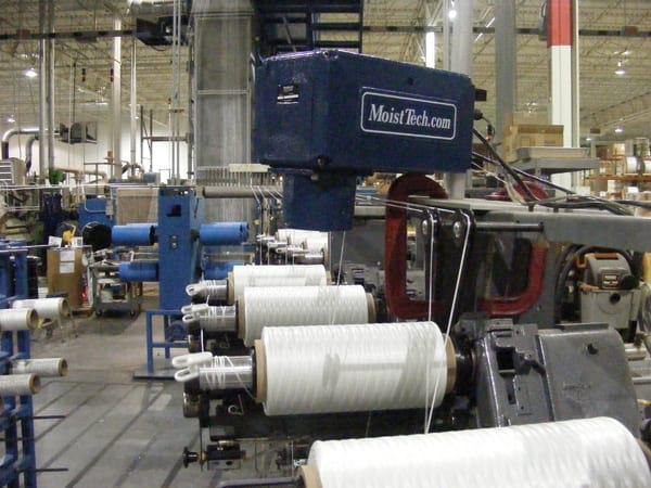 Pomiar wilgotności tekstyliów i włóknin - bezkontaktowy pomiar wilgotności